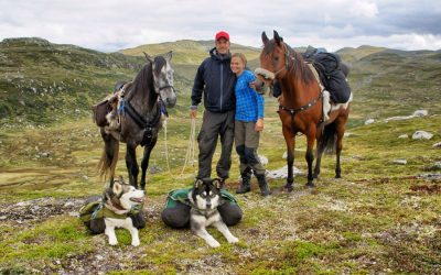 Fjelltur med hest og baby